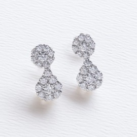 Orecchini a goccia in oro bianco 750 e diamanti carati 2.74