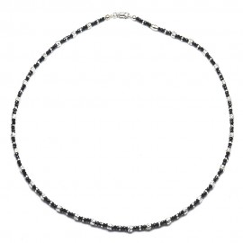 Collana in argento 925 con cristalli neri alternati a tubetti e dischetti