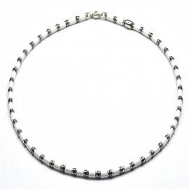 Collana in argento 925 con sintetico ceramico bianco ed ematite