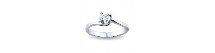 Solitari con diamante